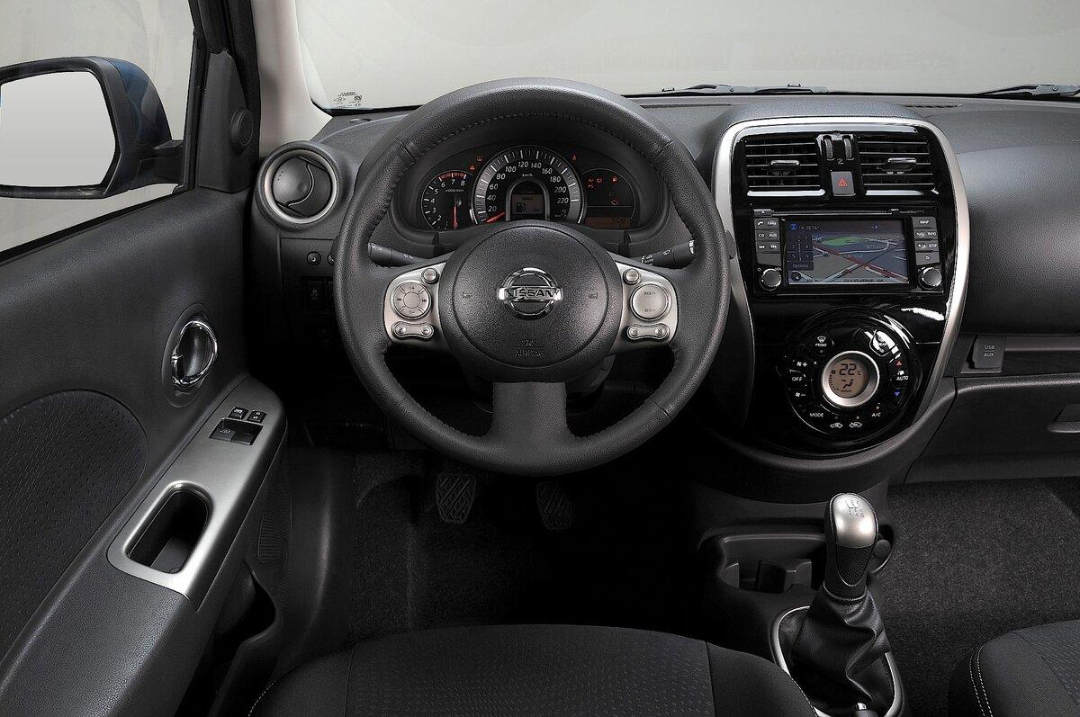 Micra — комфортный и компактный автомобиль за 300 тысяч. Ездит и не ржавеет, расход 6 л.
